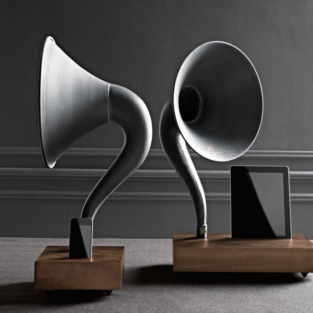 iphone-ipad-gramophone-amplifying-speaker-horn-1