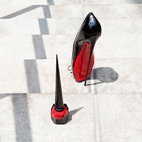 Christian-Louboutin-Unveils-Signature-Nail-Polish.png