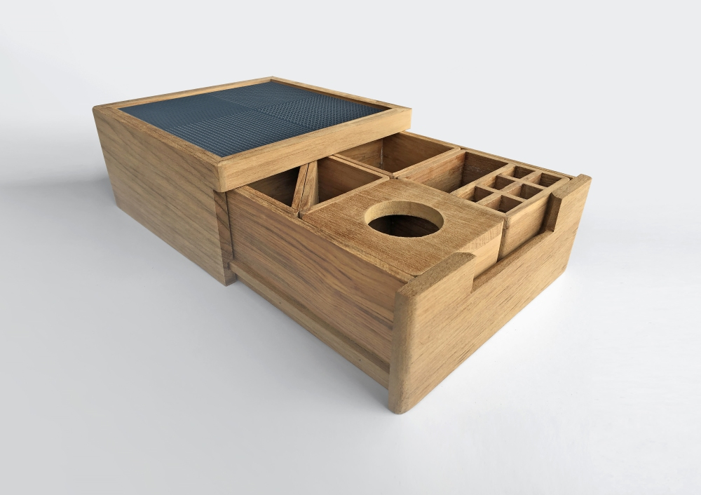 Tray by COTTO's Creative & Design Office