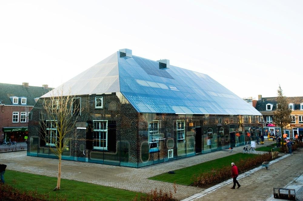 Schijndel Markt De glazen boerderij trok vandaag al veel bekijks