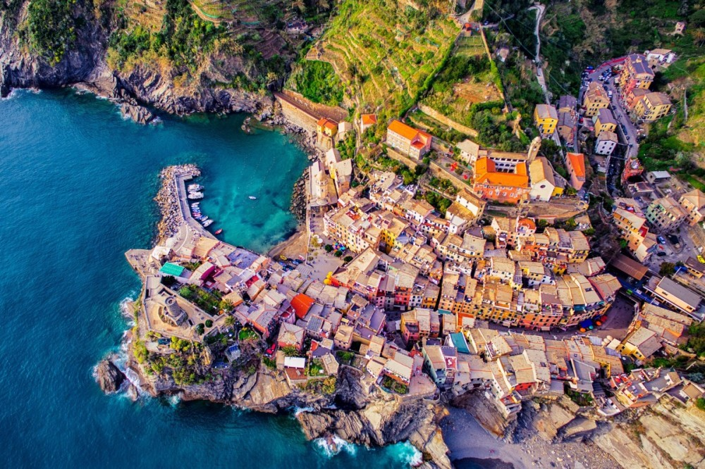 vernazza-cinque-terre-italy-by-jcourtial