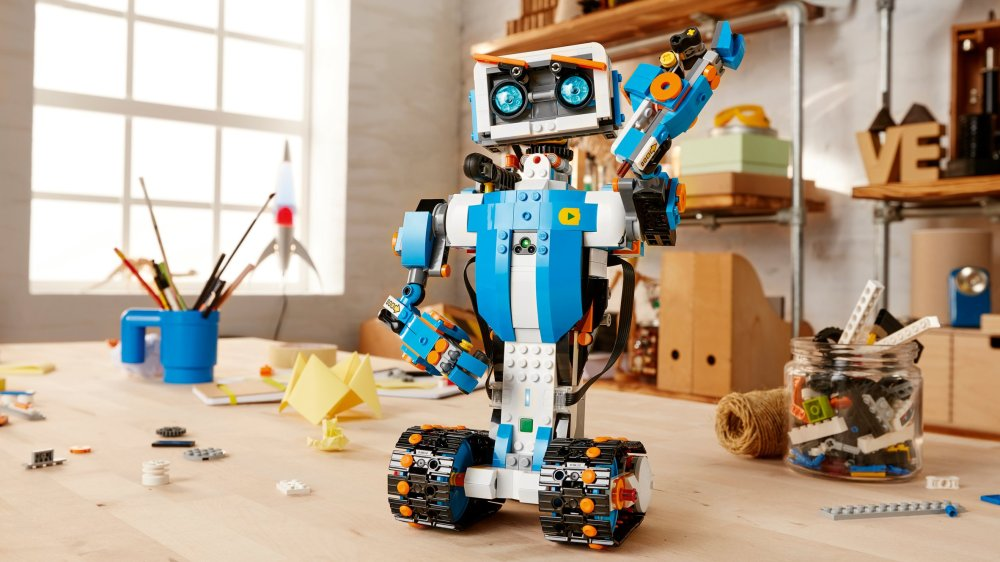 lego-boost-design-products-technology-robots_dezeen_hero.jpg